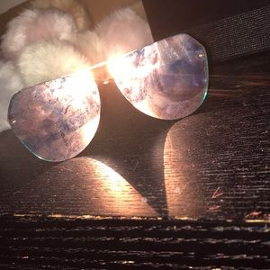 pink sunglasses/ aviator